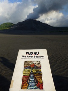 0392 | The River Between | Ngugi wa Thiong'o